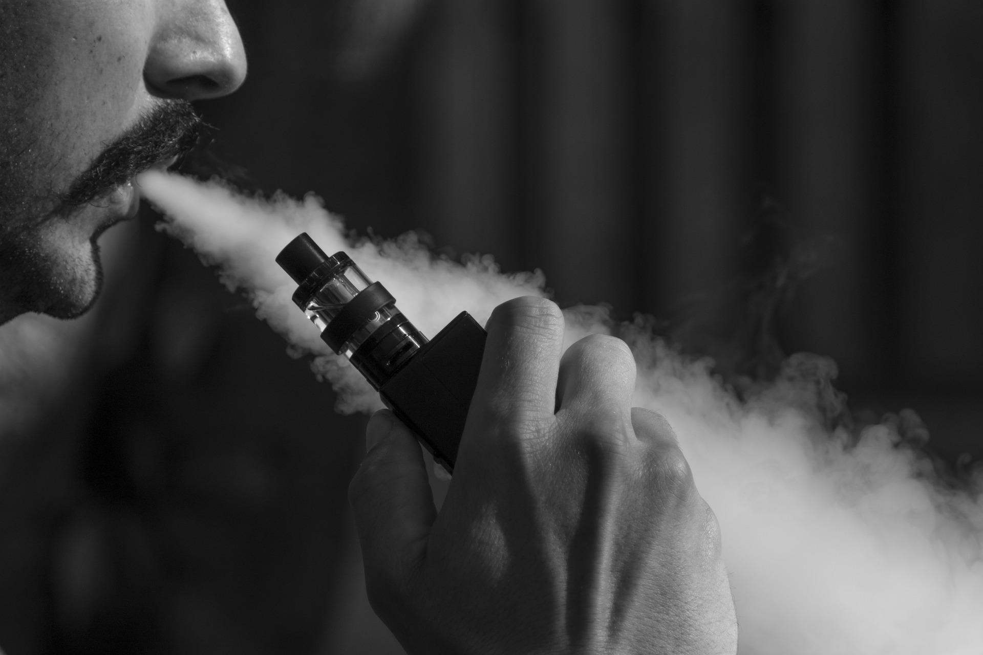 Cigarette électronique : pourquoi choisir un kit de vapotage ?